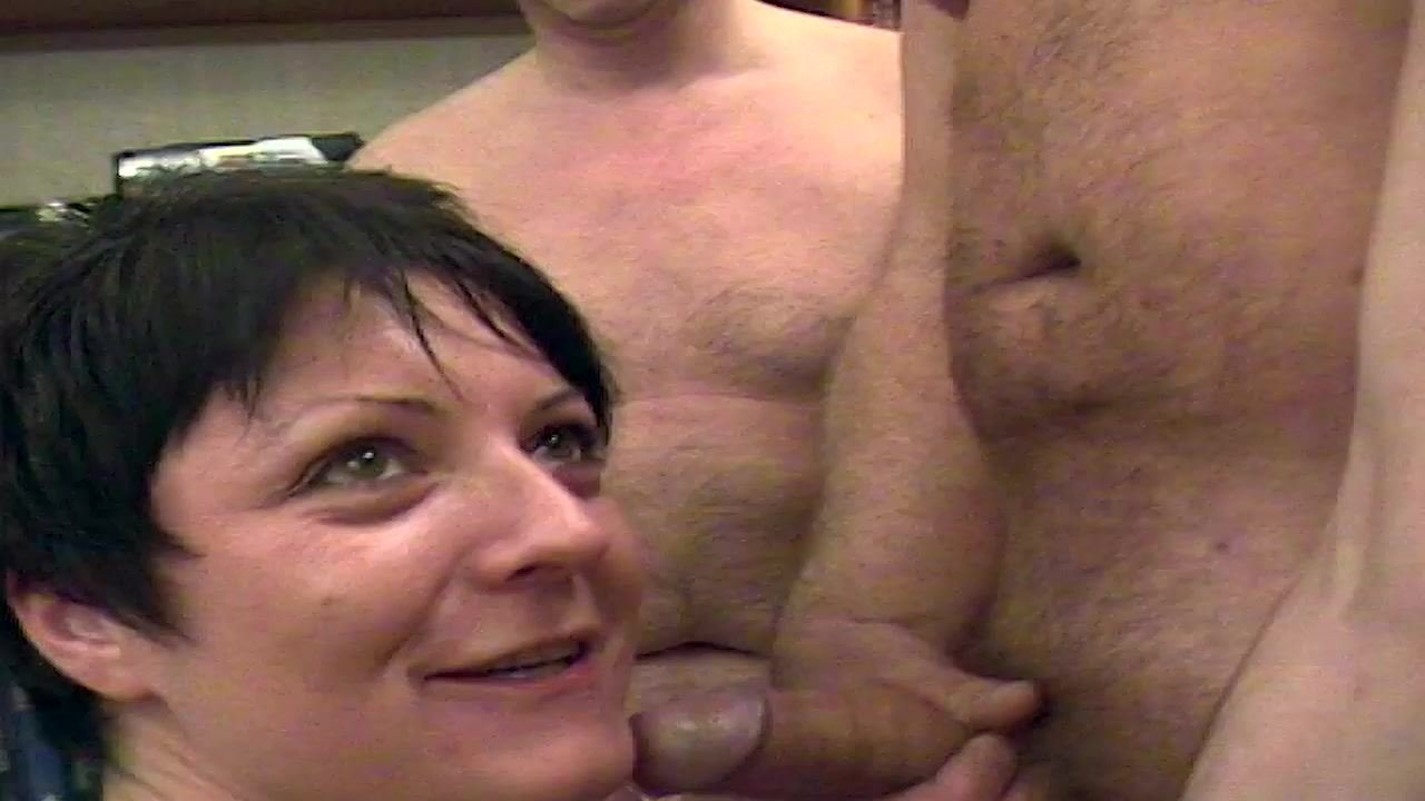 nud hot sister mom