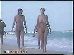Great asses and tits are on this nude summer beach