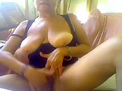 gustogusto1 secret clip 07/18/2015 from cam4