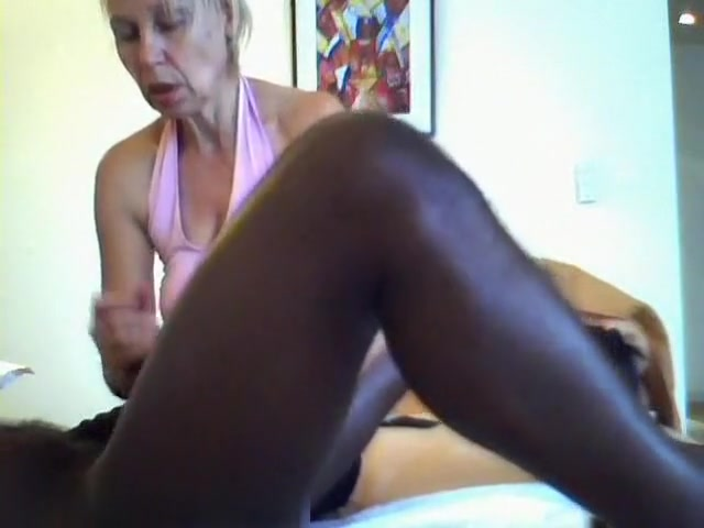 Girl Gives Erotic Massage