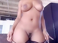 Busty ebony webcam babe