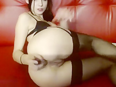 Anabele fucks her ass