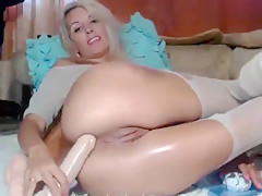 Blonde Businka shows her holes