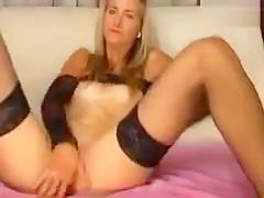 Soffiya rubs her pussy