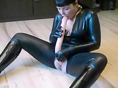 Latex vs. Doppeldildo