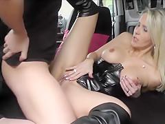Getrampt und von geiler Blondine mitgenommen, Sex, Blasen, Rimming Teil 2