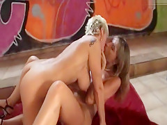 2 Horny Bitches Teil 2