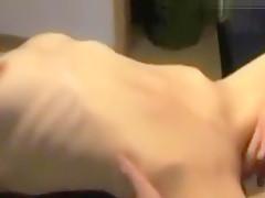 Extrem dunnes Madchen geschwangert!