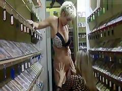 Heimlich gefilmt in der Videothek
