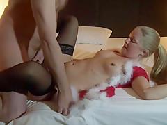 Weihnachtsengel rangenommen