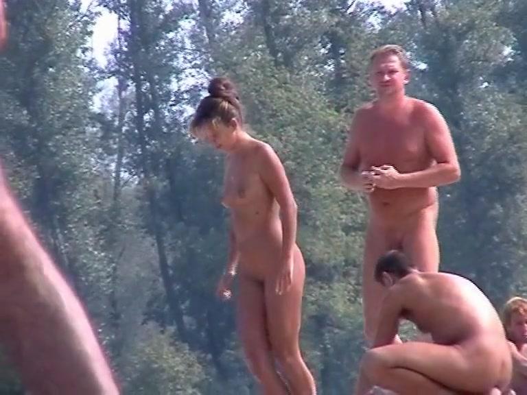 Кто парни подглядывает за голыми парнями