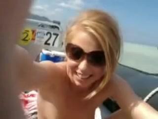 Slut working outdoors
