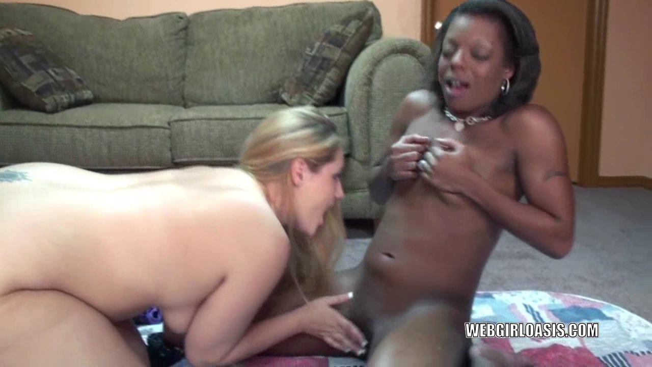 Golden-Haired lesbian Savanna Knight acquires drilled by an swarthy bitch