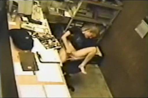 секс на рабочем месте скрытой камерой скайп - 14