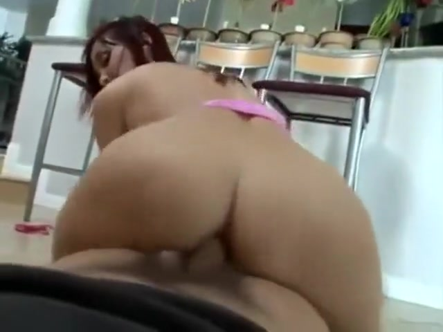 26 Cm Cock. Destrusando The Anal And Vaginal Virgin Hymen Of A Very Pretty