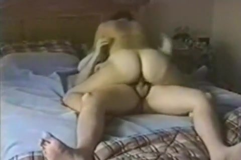 Honey with a admirable wazoo knows how to work her wet crack like a real champ
