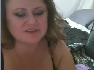 Middle -age couple on cam 470