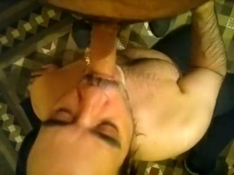 mamando polla de un macho tipo oso barcelona