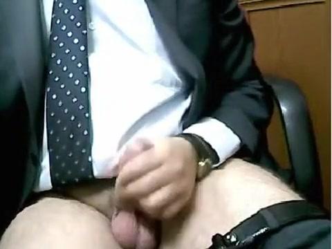 Maduro de Traje se pajea en la oficina - No cum :(