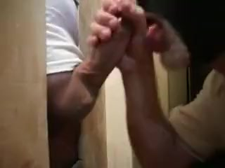22 year old str8 lad comes to the gloryhole