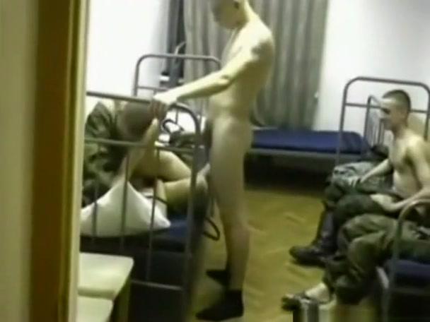рота солдат шлюху