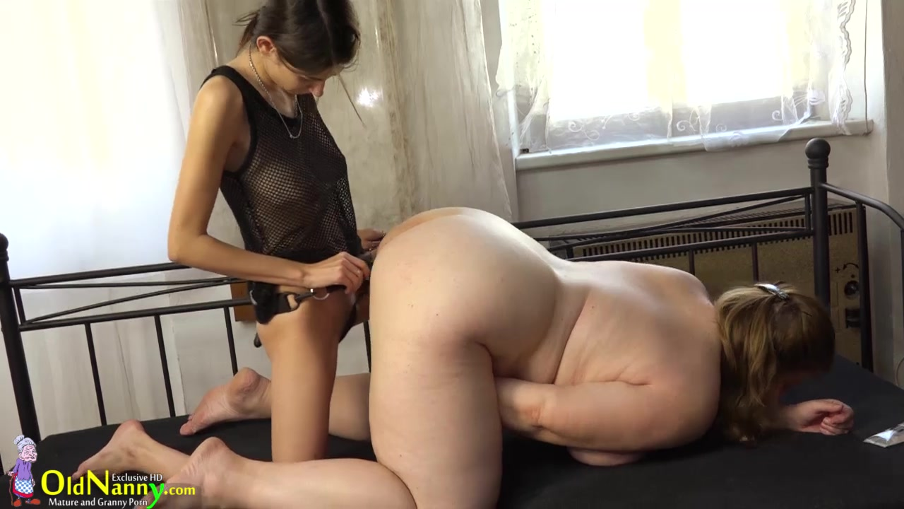 chubby-lesbian-strapon-videotures-gymnastic-pussy-pics