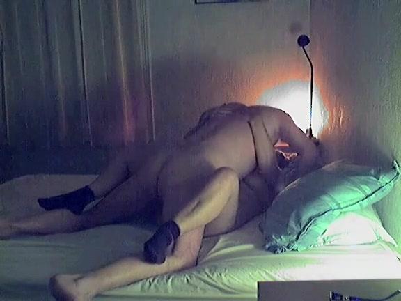 Mature couple on amateur sex tape