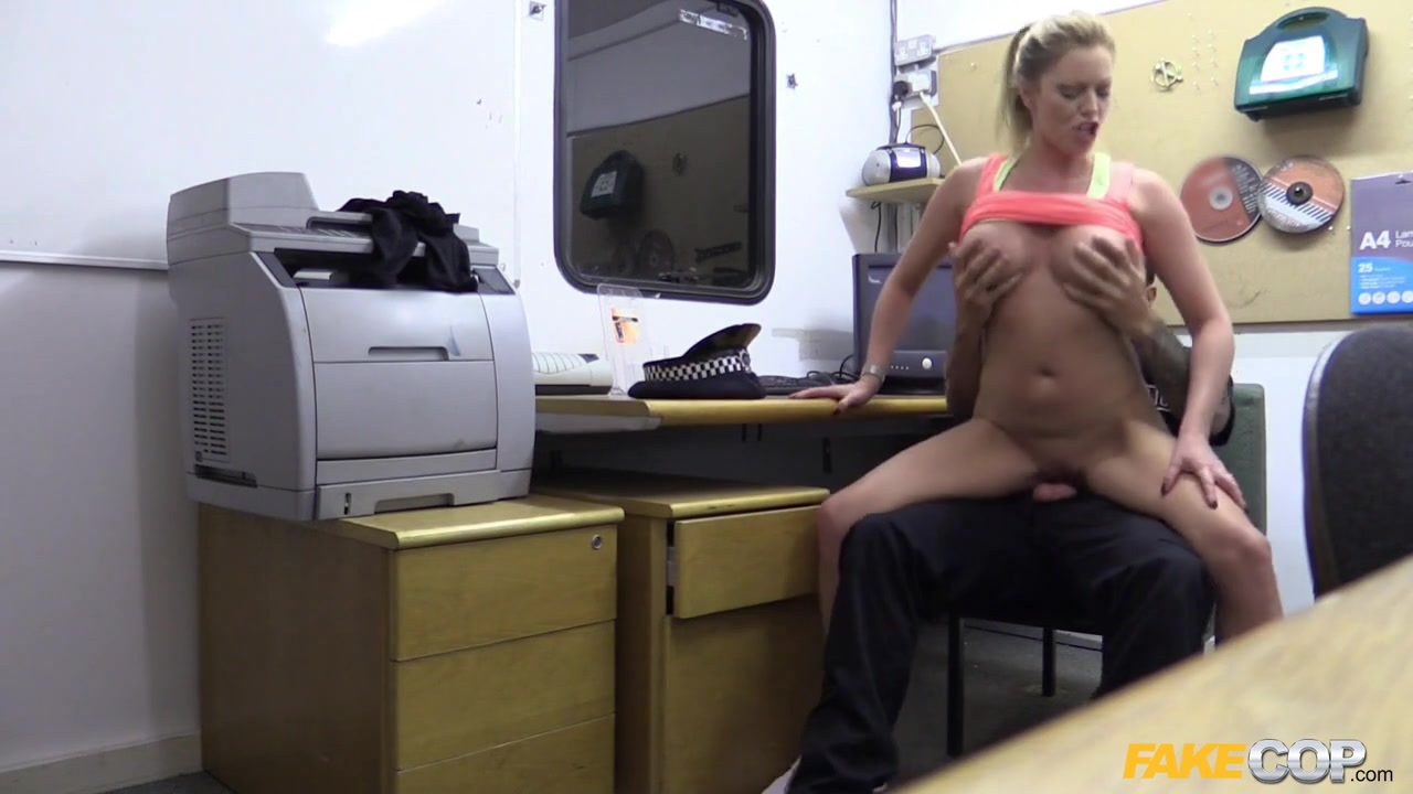 Holly in Hot gym MILF pulled over and fucked - FakeCop